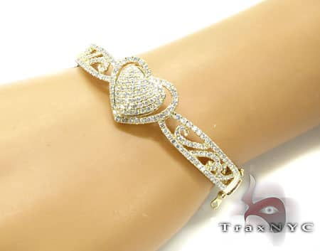 YG Center Heart Bracelet Diamond