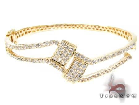 YG Modern Bracelet Diamond