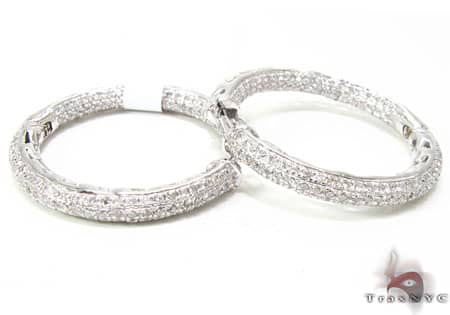 WG Fiji Hoop Earrings 3 Stone