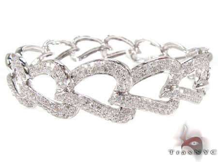 Pave Heart Link Bracelet 2 Diamond