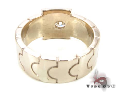 Gold Link Ring Stone