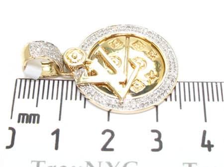 Yellow Gold LV Pendant Stone