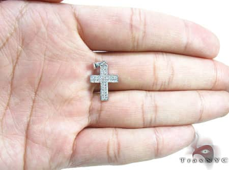 White Gold Crysler Cross Style