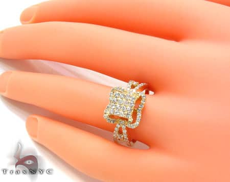 El Salvador Ring Anniversary/Fashion