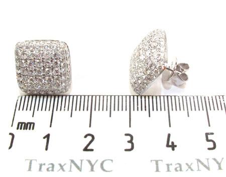 18K Gold Diamond Pillow Earrings 25602 Stone