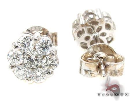 VS1 Round Cut Stud Earring Stone