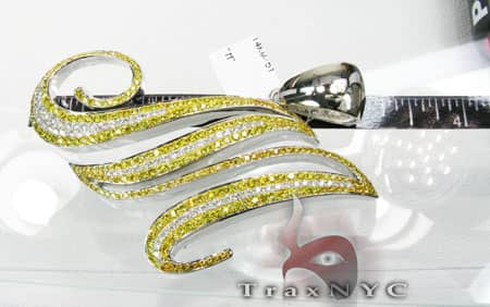 Canary M Pendant Metal