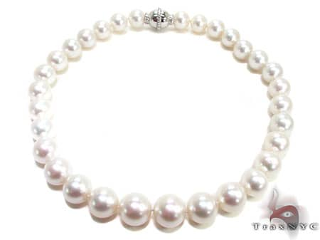 Ladies Pearl Necklace 18 Inches Pearl