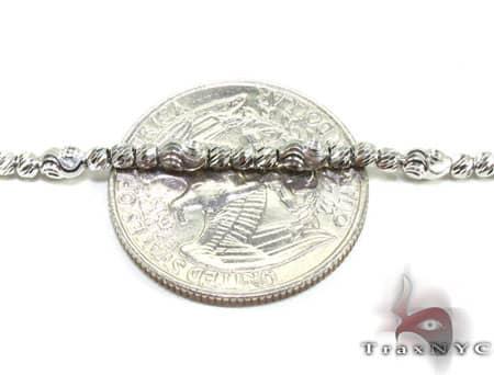 Thin Moon Cut Chain 22 Inches 2mm 11.6 Grams Gold