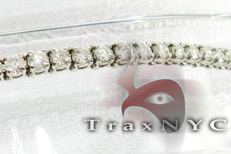 Ladies 4 Prong Bracelet Tennis