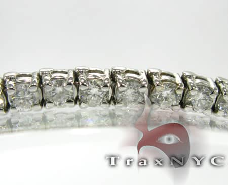 Ladies 4 Prong Bracelet Tennis