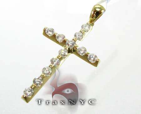 YG Unique Cross Diamond