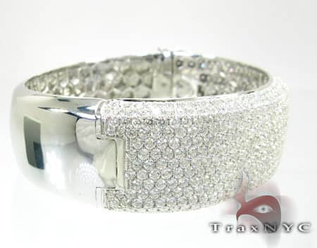 Ladies Grand Bangle Diamond