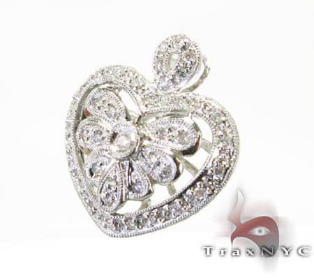 Mini Designer Heart Pendant Diamond Pendants