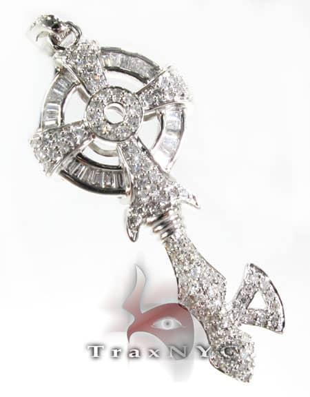 Gothic Key Pendant Style