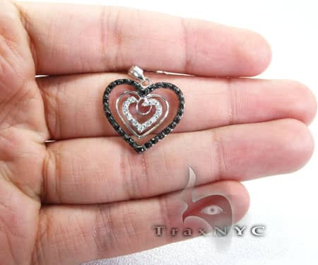 Illusion Heart Pendant Stone