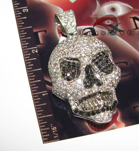 Medium Skull Head Metal