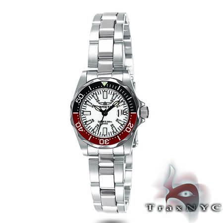 Pro Diver Sapphire QTZ White Dial New Edition Invicta Watches