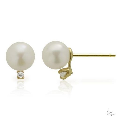Akoya Cultured Pearl and Diamond Stud Earrings 14k Yellow Gold 5-5.5mm Stone