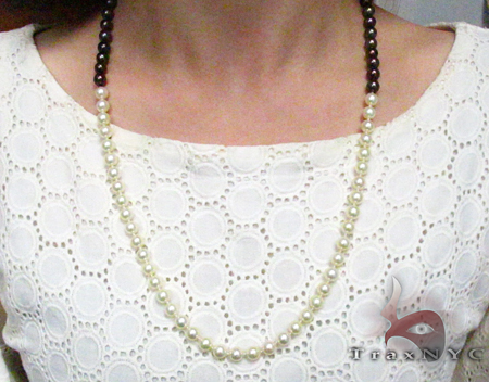 Black and White Pearl Necklace Pearl