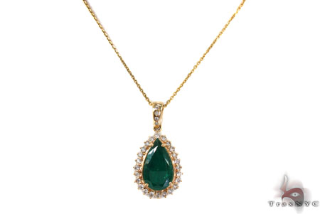 Green Eye Emerald Necklace Gemstone