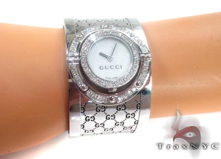 Gucci Ladies Diamond Twirl Watch YA112413 Gucci