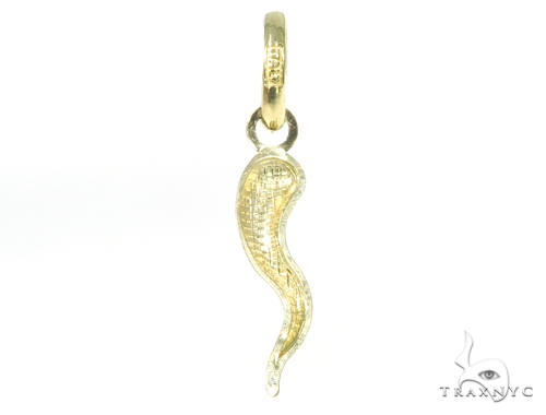 Italian Horn Yellow Gold Pendant 44909 Metal