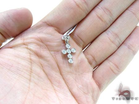 Ladies Prong Diamond Cross 21536 Style