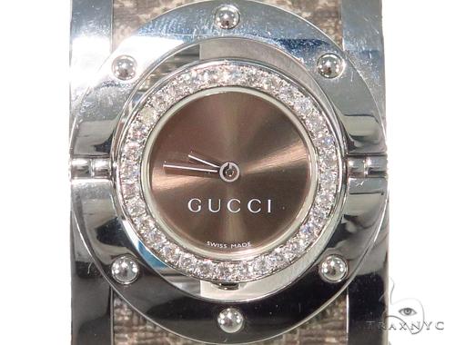 e8ebb418858 Pave Diamond Gucci 112 Twirl Bangle Ladies Watch YA112425 44145