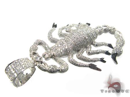Scorpion pendant mens halloween pendant white gold 14k round cut scorpion pendant mozeypictures Images