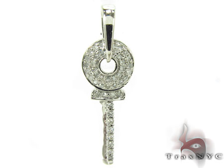 Secret Garden Key Pendant Style