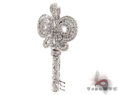 Vista Key Pendant Style