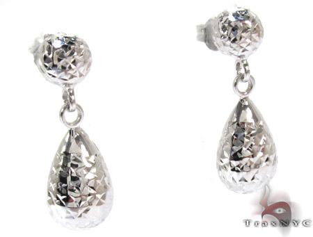 White 14K Gold Chandelier Earrings Metal