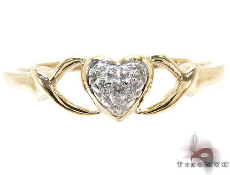 Yellow Gold Round Cut  Prong Diamond Heart Ring Anniversary/Fashion