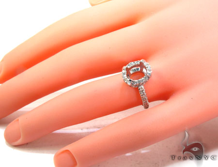 White Gold Round Cut Prong Diamond Semi Mount Ring Engagement