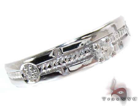 White Gold Round Cut Prong Tension Diamond Ring Wedding