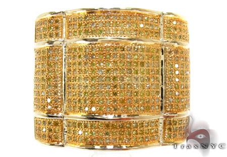 Yellow Gold Round Cut Micro Pave Diamond Ring Stone