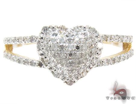 Yellow Gold Round Cut Pave Prong Diamond Heart Ring Anniversary/Fashion