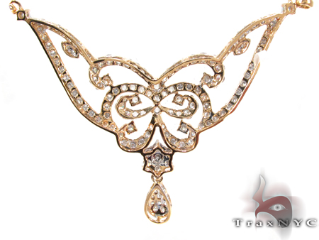 Yellow Gold Round Cut Prong Diamond Butterfly Necklace Diamond