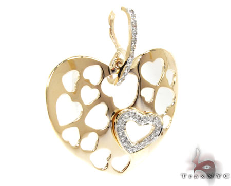 Yellow Gold Round Cut Prong Diamond Heart Pendant Style