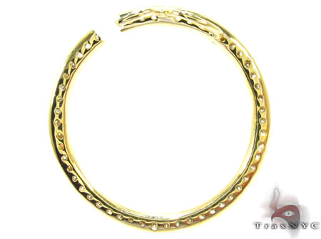 Yellow Gold Round Cut Prong Diamond Pendant Stone