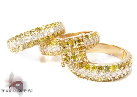 Yellow Gold Round Cut Prong Diamond Ring Set 24825