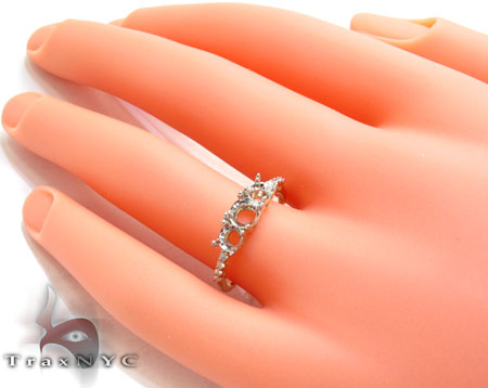Yellow Gold Round Cut Prong Diamond Semi Mount Ring Engagement