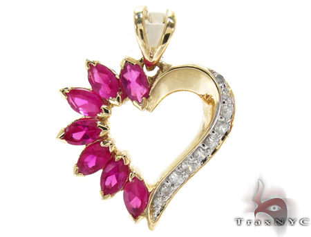 Yellow Gold Round Marquise Cut Prong Diamond Heart Pendant Stone