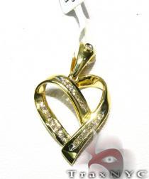 Heart Lace Pendant Stone