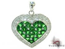 Heart Green Color Gemstone Diamond Pendant Gemstone Pendants