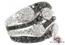 18K Gold Black and White Diamond Ring 25442 Colored Diamond Rings